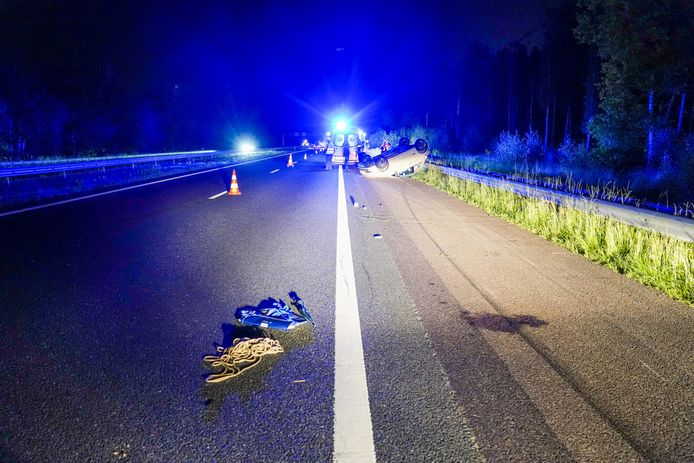 Het ongeluk gebeurde op de A67 bij Mierlo, in de richting van Eindhoven.