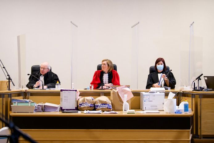 De verdediging wil het hof van assisen wraken.