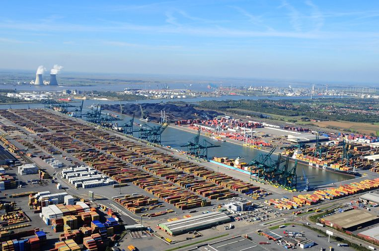 Het Delwaidedok in de Antwerpse haven, genoemd naar oorlogsburgemeester Leo Delwaide.
