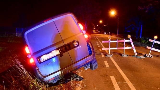 Met een glas te veel op in de gracht: rijbewijs 15 dagen ingetrokken