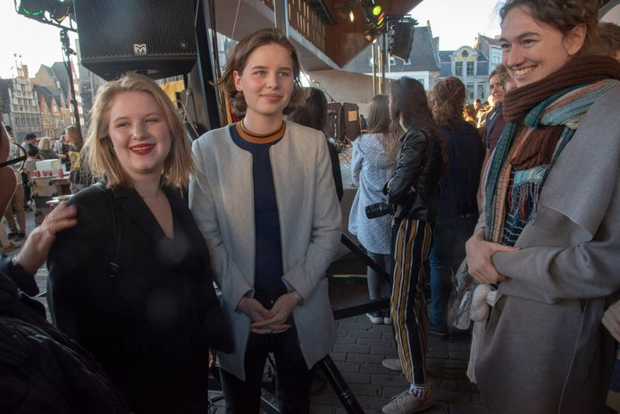 Anuna en Kyra Gantois, klimaatmeisjes die de protesten in Vlaanderen op gang trokken. Ook in Gent aanwezig.