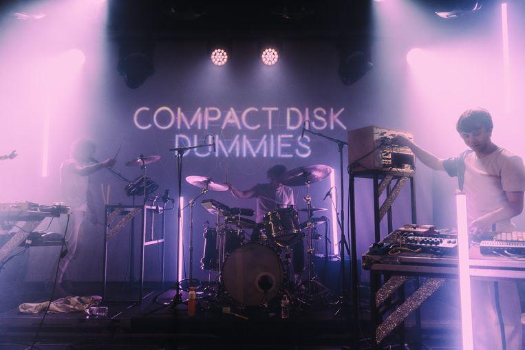 De Compact Disk Dummies zullen voor driehonderd man spelen tijdens het testevent in de Ghelamco Arena.  Beeld Illias Teirlinck