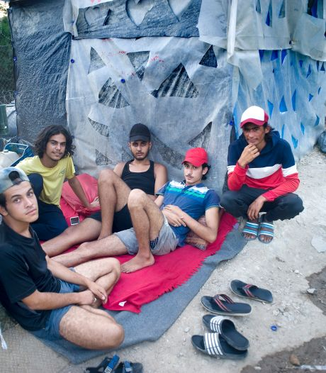 Prikkeldraad en bewakingscamera's: nieuw Grieks vluchtelingenkamp mag niemand zomaar in of uit