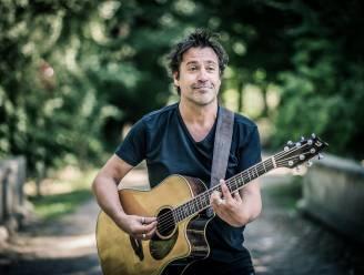 """Muzikant Wim Geysen brengt nieuw album uit op... USB-stick: """"Zo kunnen mensen het overal afspelen"""""""