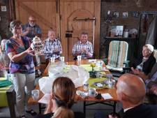 Boekje over huisarts Dr. Scholtens uit Standdaarbuiten: 'U leefde altijd mee. In goede en in slechte tijden'