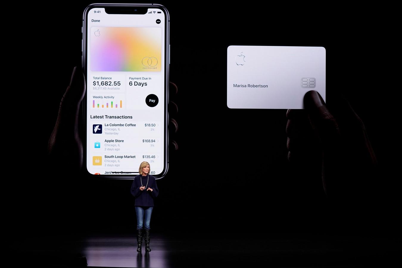 Jennifer Bailey, vice-president van Apple Pay, stelde in maart het principe van de Apple Card voor.