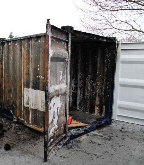 'Papiercontainer bij voetbalvereniging is bewust in brand gestoken'
