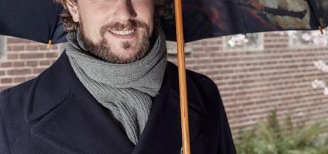 Tip van chef-kok Joris Bijdendijk: zo snijd je ui in kleine, gelijke stukjes