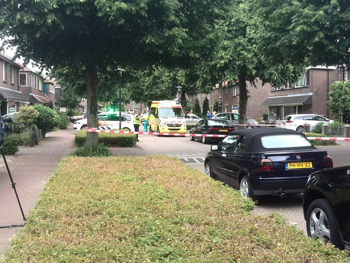 Aan de Twijnstraat in Ede verwondden de twee indringers drie bewoners bij een gevecht dat ontstond tijdens de overval.
