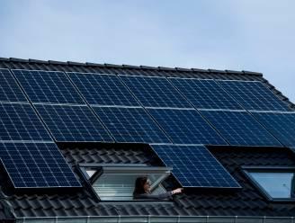 """Duizenden mensen gaven zonnepanelen niet aan: """"Levensgevaarlijk"""", ook grote fraude bij groenestroomcertificaten opgespoord"""