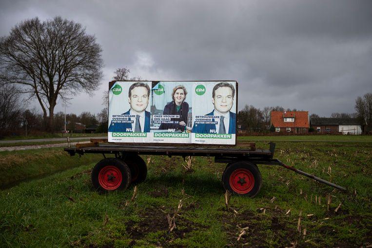 Campagneposters voor het CDA  op het platteland  in de buurt van Hellendoorn. Beeld ANP/ Hollandse Hoogte