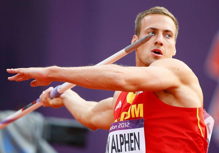 Van Alphen in actie tijdens het speerwerpen op de Olympische Spelen van Londen in 2012.  Beeld EPA