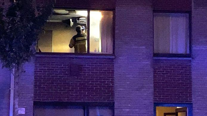 De brandweer ventileerde de woning grondig.
