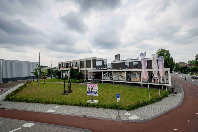 Op en rond de plek van de oude Hosftede mts aan het industrieplein wil Hengelo het Businessdistrict ontwikkelen. Met onder meer een hotel. Volgens de bestaande hotels en LokaalHengelo is daar absoluut geen behoefte aan.