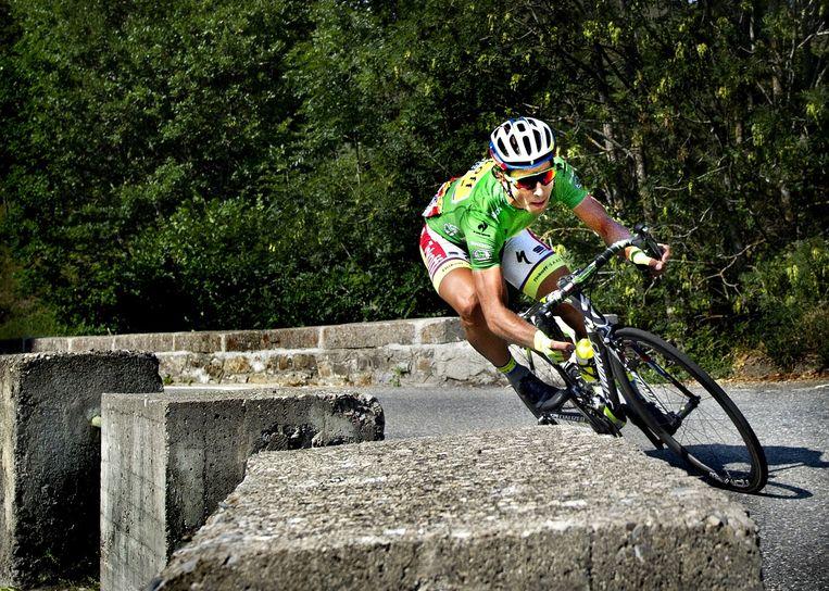 Peter Sagan daalt de Col de Manse af maar ritwinnaar Plaza achterhaalt hij niet meer. Beeld Klaas Jan van der Weij