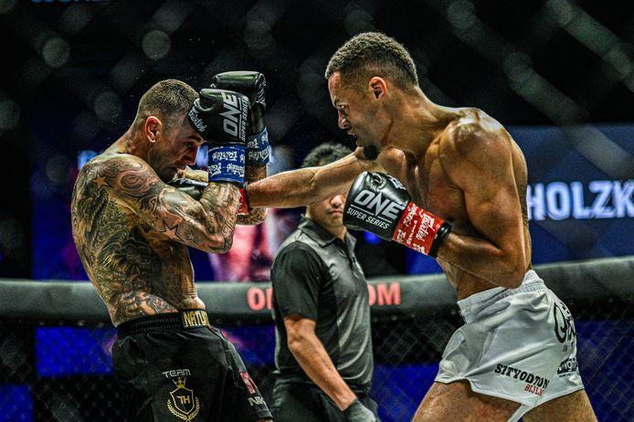 Het is alweer ruim een jaar geleden, op 25 oktober 2019, dat Nieky Holzken voor het laatst in de ring stond.