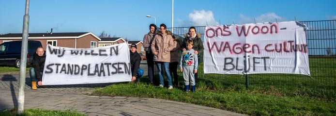 De bewoners van het woonwagenkamp in Schoondijke voerden aan het begin van dit jaar al actie voor behoud en uitbreiding van de standplaatsen.