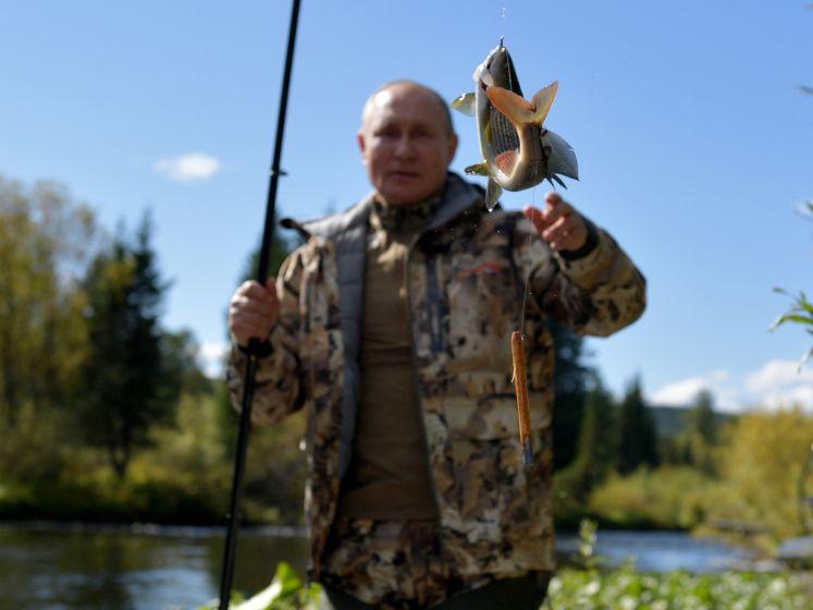 Les vacances sauvages de Vladimir Poutine en Sibérie