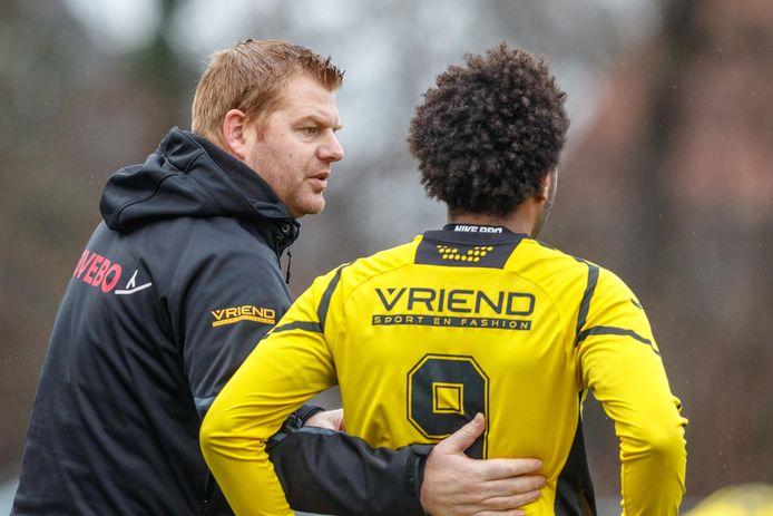 Wilko Niemer blijft langer trainer van hoofdklasser Alcides.