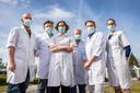 De 6 kinderchirurgen van het Saffier-centrum: (vlnr) dr. Stijn Heyman (ZNA), dr. Paul Leyman (GZA), dr. Charlotte Vercauteren (UZ Brussel), prof. Toon De Backer (UZ Brussel), dr. Dirk Vervloessem (ZNA), dr. Kim Vanderlinden (UZ Brussel).