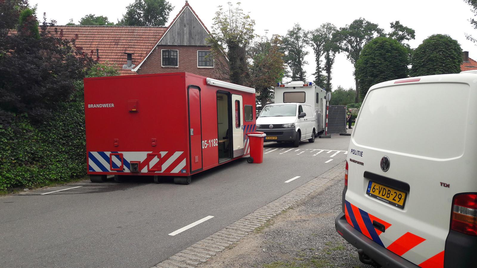 De politie doet onderzoek naar de steekpartij in Reutum.