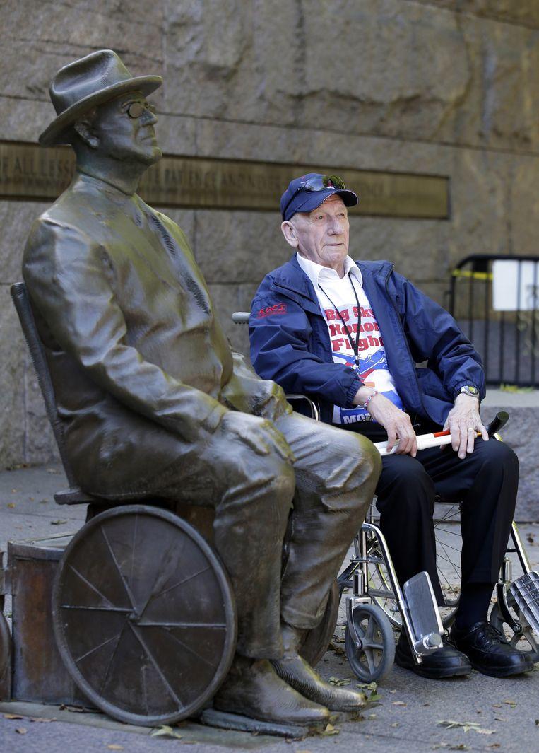 Het Franklin D. Roosevelt monument laat Roosevelt in zijn rolstoel zien. Beeld ap
