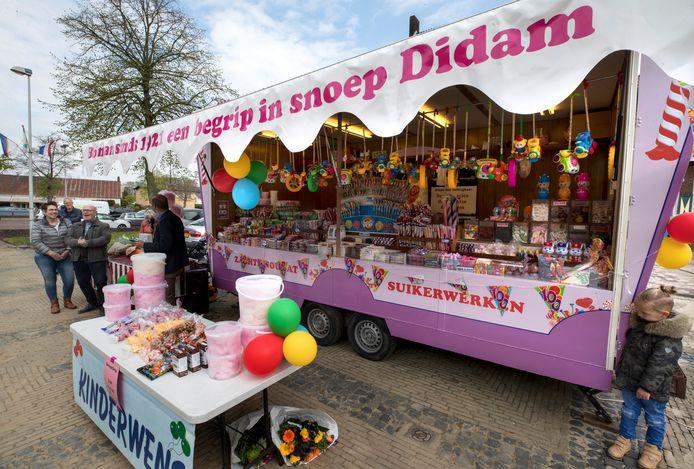 De snoepkraam van Bosman, na honderd jaar nog altijd een begrip in Didam en omstreken.