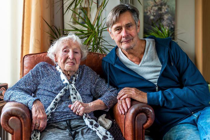 Suzanna (97) en Hans (67) Kamps.