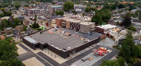 Het was om moedeloos van te worden, maar het nieuwe centrum in Rosmalen  staat er