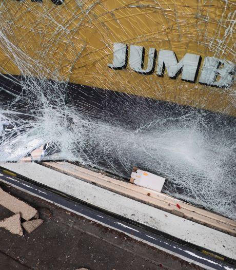 Man (51) uit Alkmaar aangehouden voor ramkraak en overval supermarkten van Jumbo
