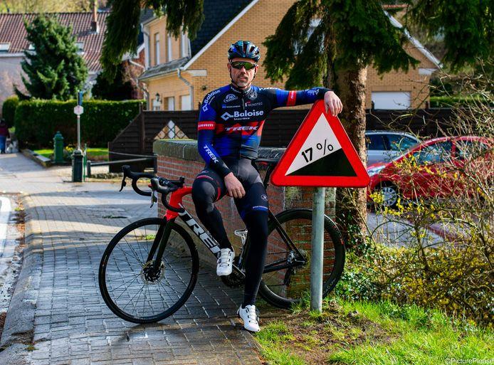 Sven Nys engageert zich als ambassadeur voor WK-dorp 2021 in Huldenberg. Hij beklom alvast de Smeysberg.