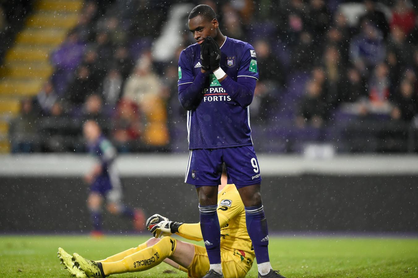 Touché au genou, Landry Dimata n'a plus joué de rencontre officielle depuis le 10 février 2019.