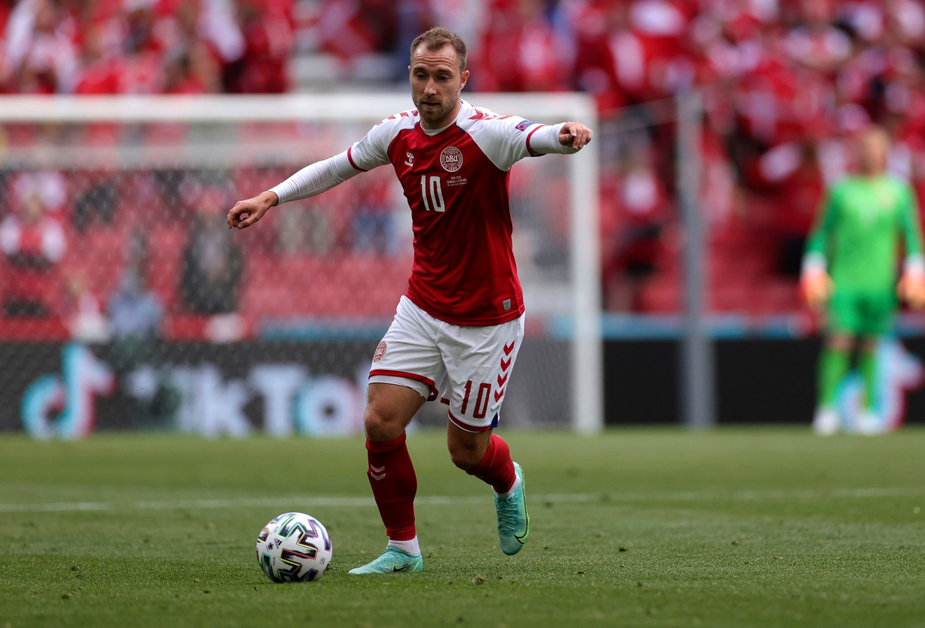 Eriksen en action durant le match Danemark-Finlande.