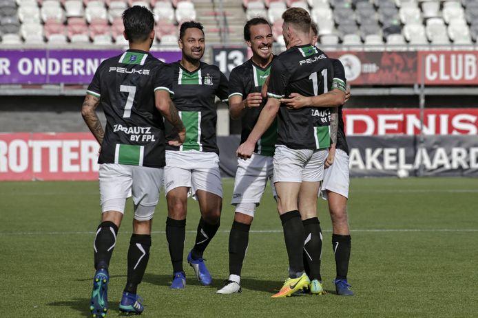 SVV Scheveningen kon, zoals hier tegen Jong Sparta, maar weinig juichen om een doelpunt. De derdedivisionist speelde maar vier competitieduels. Foto: Carla Vos