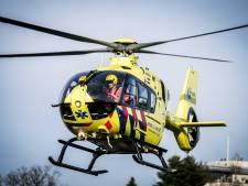Vrouw ernstig gewond na aanrijding op zebrapad, traumahelikopter opgeroepen
