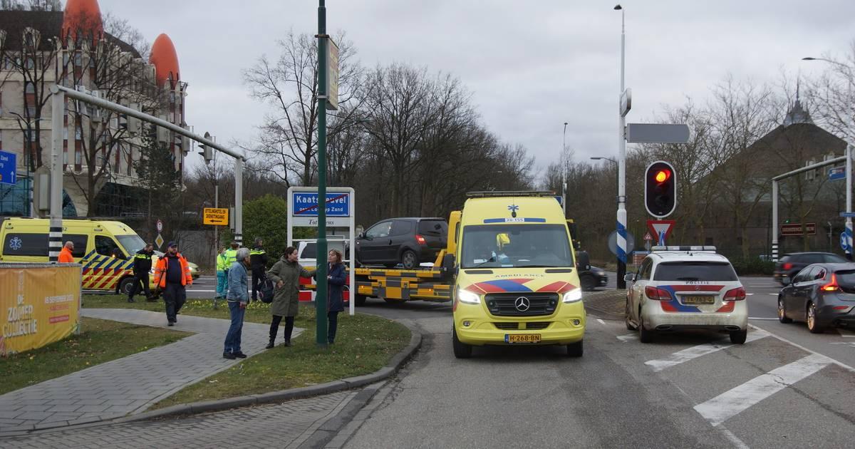 Twee gewonden bij aanrijding vlakbij Efteling Hotel.