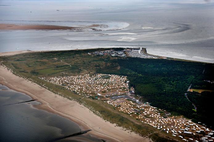 Jaarlijks worden de Waddeneilanden door vele toeristen bezocht.