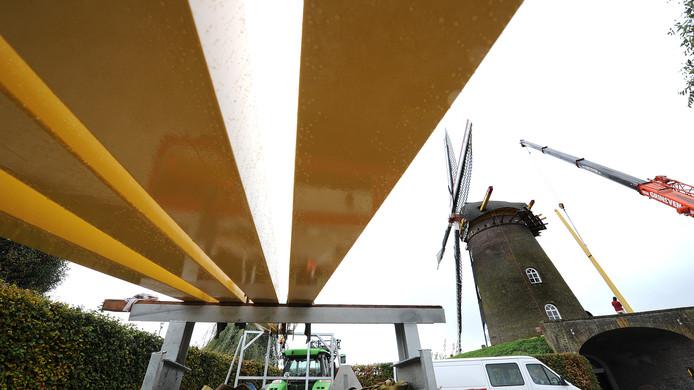 De Vooruitgang in 2012, toen de molen deels werd voorzien van nieuw houtwerk.