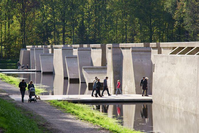 Het kunstwerk Deltawerk//, gelegen in het Waterloopbos.