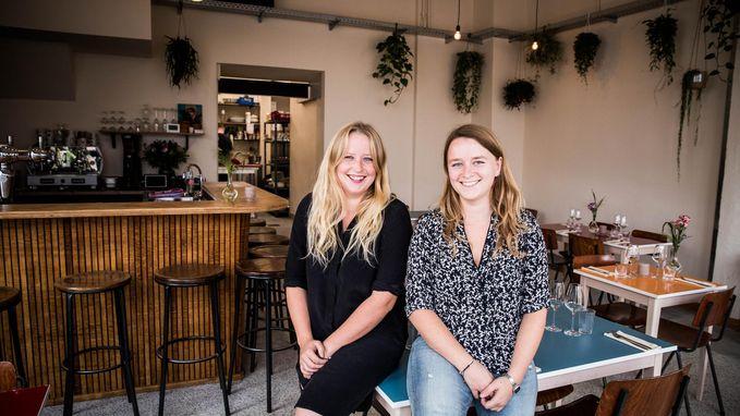 Tweelingzussen openen restaurant 'Pycke zot'