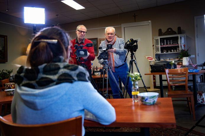 Chris Kinders (rechts) en Will Dekoninck maken voor Kempen TV een achtdelige serie over dementie.