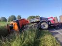 De N58 in Wervik was volledig versperd na een ongeval met twee vrachtwagens.
