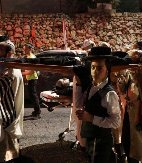 Twee doden en minstens 150 gewonden bij ongeluk in overvolle synagoge op Westelijke Jordaanoever