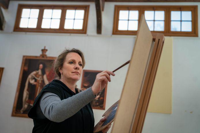 De Steeg 0104- Kunstenares Simone Balhuizen doet mee aan Sterren op het doek /216246