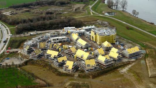 Kasteel Heesterburgh in aanbouw.