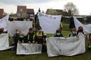De kinderen van basisschool Cade in Aartselaar brachten een hulde aan de vele vrijwilligers van het vaccinatiecentrum RupeLaar.