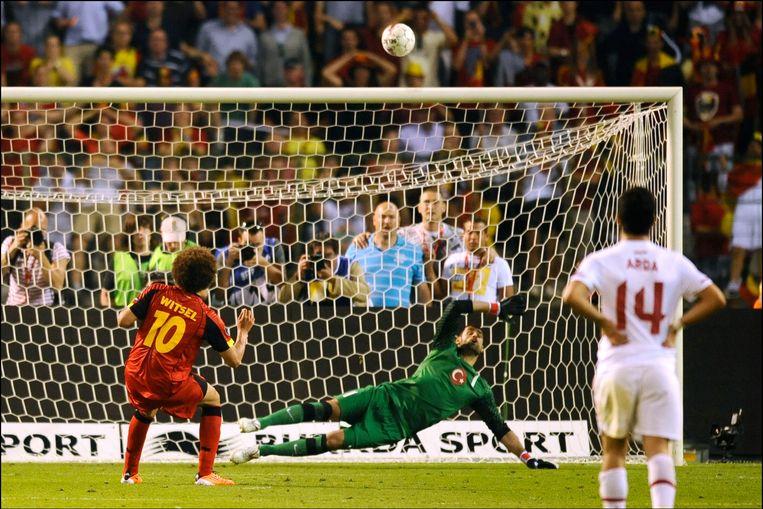 Witsel miste de cruciale strafschop tegen Turkije (1-1). Beeld PHOTO_NEWS