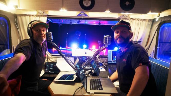 """Straattheatermakers brengen Radio Glabbeek: """"Het is het enige alternatief wat we nu kunnen en mogen  doen maar we missen de interactie met een echt publiek"""""""
