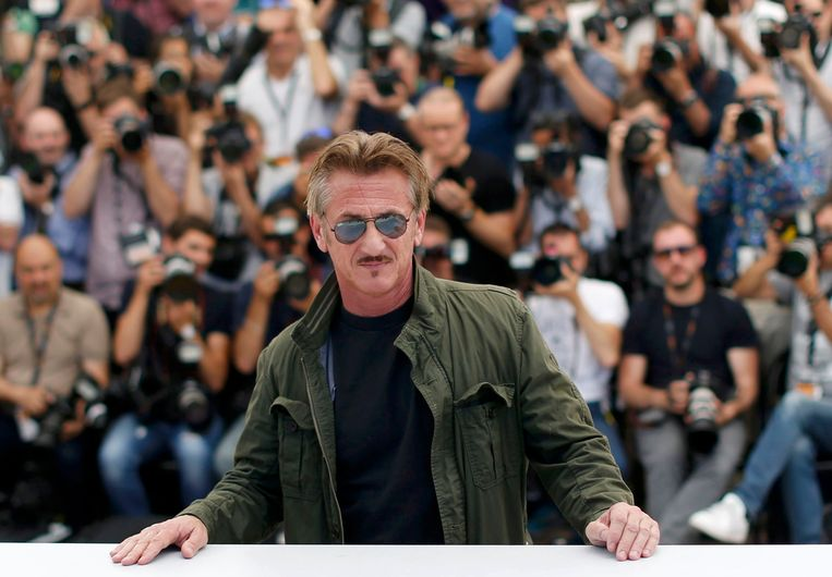 Sean Penn bij de voorstelling van 'The Last Face' in Cannes. Beeld REUTERS