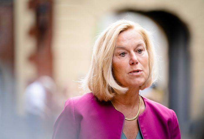 Sigrid Kaag bij aankomst op het Binnenhof voor de eerste ministerraad na het zomerreces
